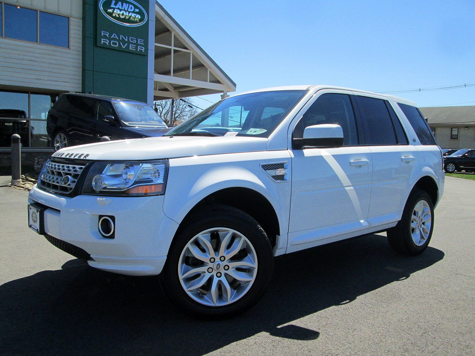 Pre-Owned 2014 Land Rover LR2